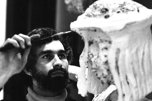 Addio allo scultore Gino Masciarelli, suo l'Omaggio al Calciatore simbolo dei Mondiali Italia 90