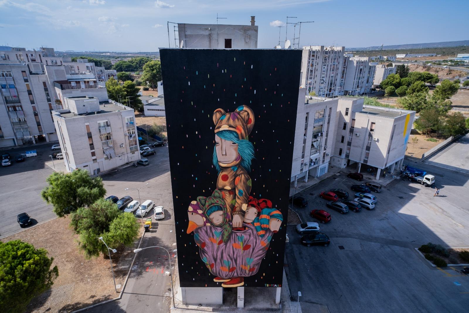 """Il progetto T.R.U.St. a Taranto: il festival che rigenera le """"case bianche"""" del quartiere di Paolo VI"""