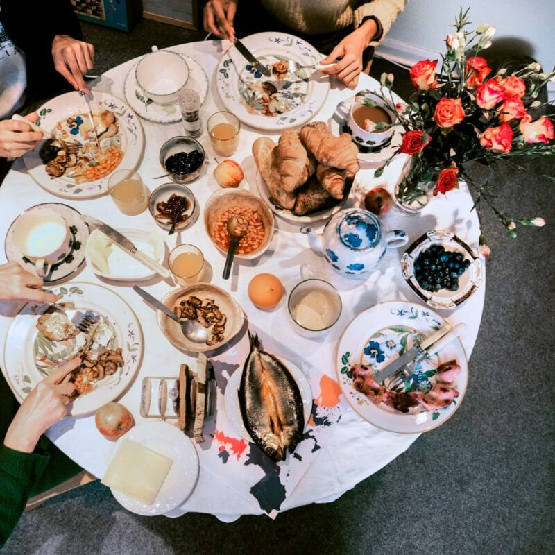 09:00, Continental breakfast. Sabes Sugunsabesan / 24 photography