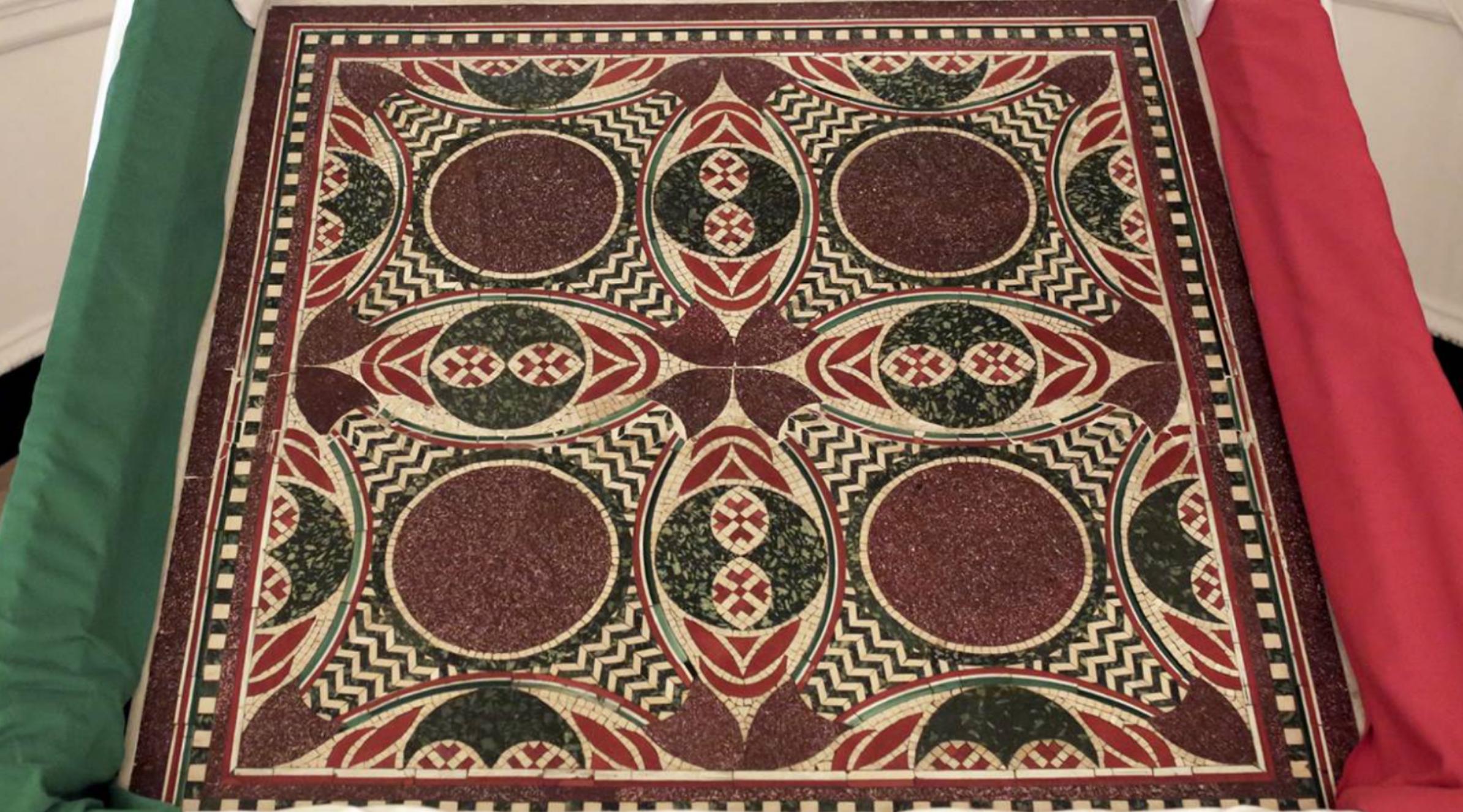 Rientra in Italia il mosaico delle Navi di Nemi. Era negli USA usato come tavolino da caffè