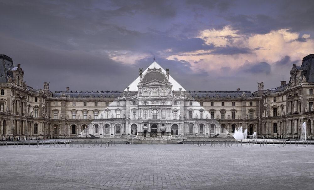 JR au Louvre, La Pyramide, 7 Juin 2016, 21H45 © Pyramide, architecte I. M. Pei, musée du Louvre, Paris, France, 2016