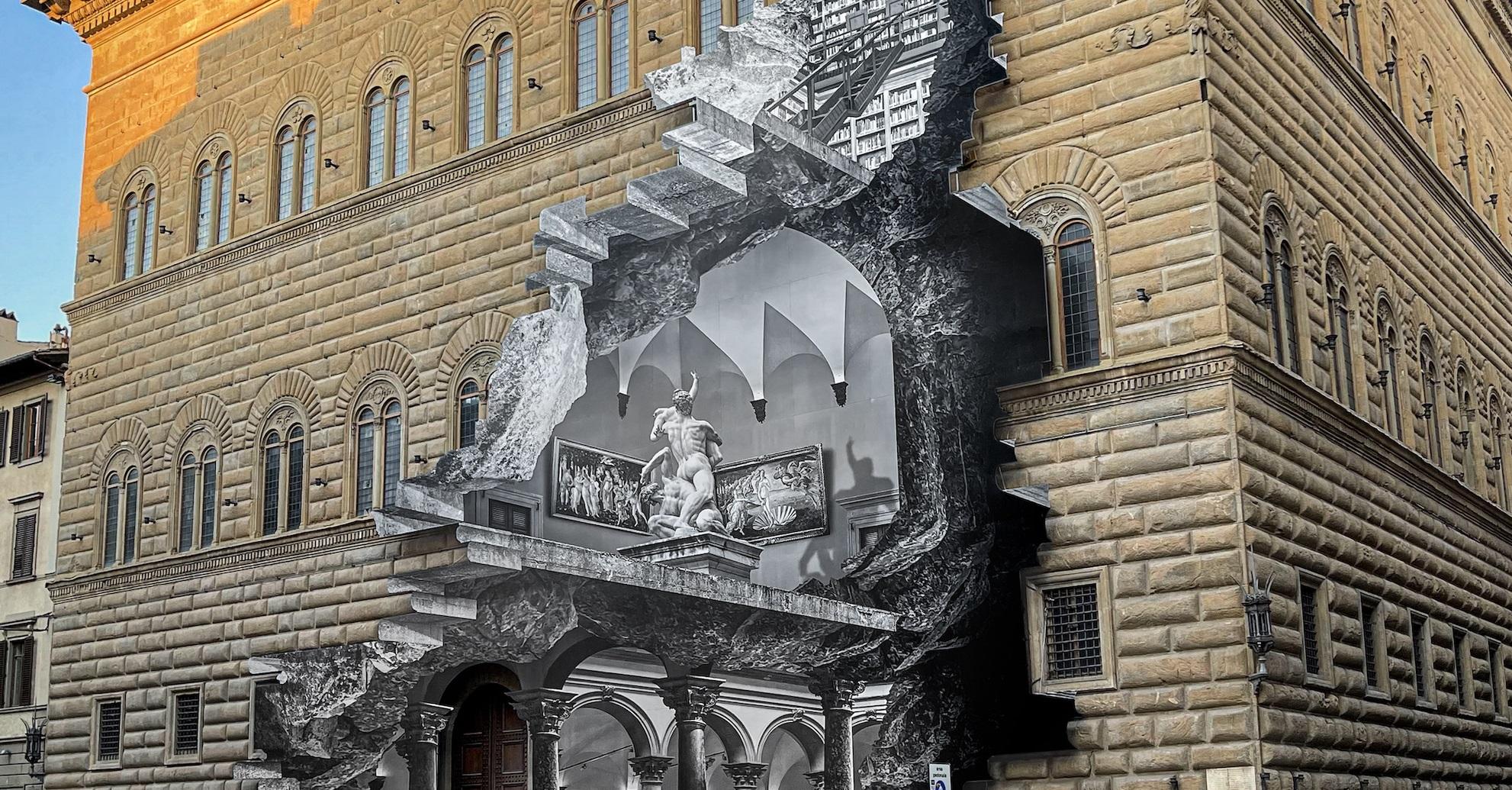 Coprire per svelare: ecco La Ferita con cui JR reinterpreta Palazzo Strozzi, Firenze