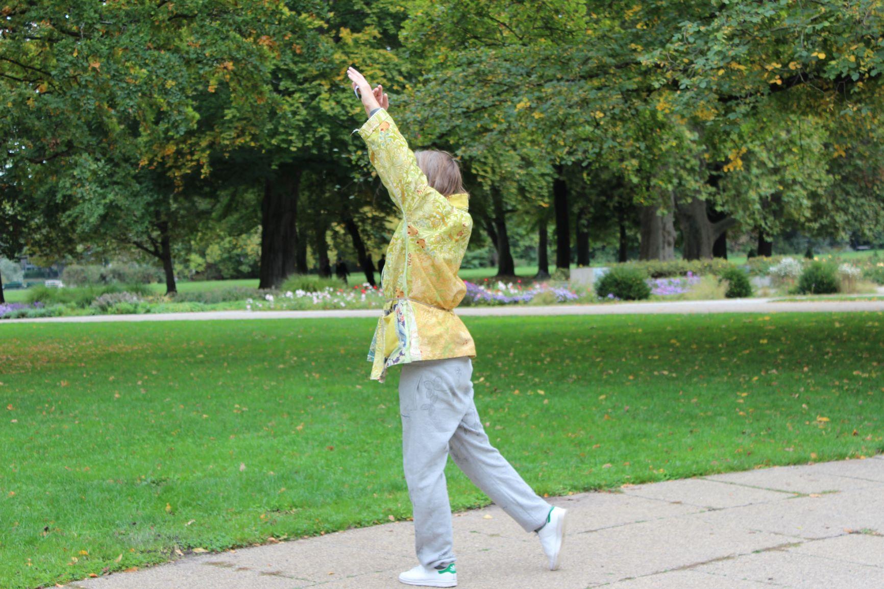 La danza come luogo di possibilità e di contemplazione. Mårten Spångberg a Berlino