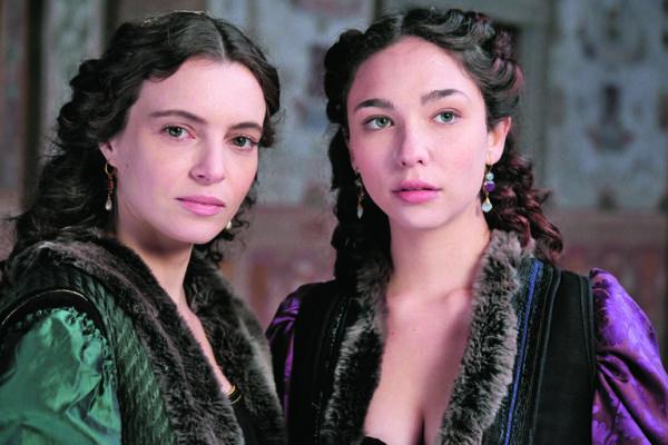 Miriam Dalmazio e Matilda De Angelis, Leonardo, la serie, Rai1