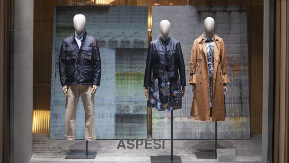 Opere di Gianluigi Colin nello store Aspesi in via San Pietro all'Orto a Milano