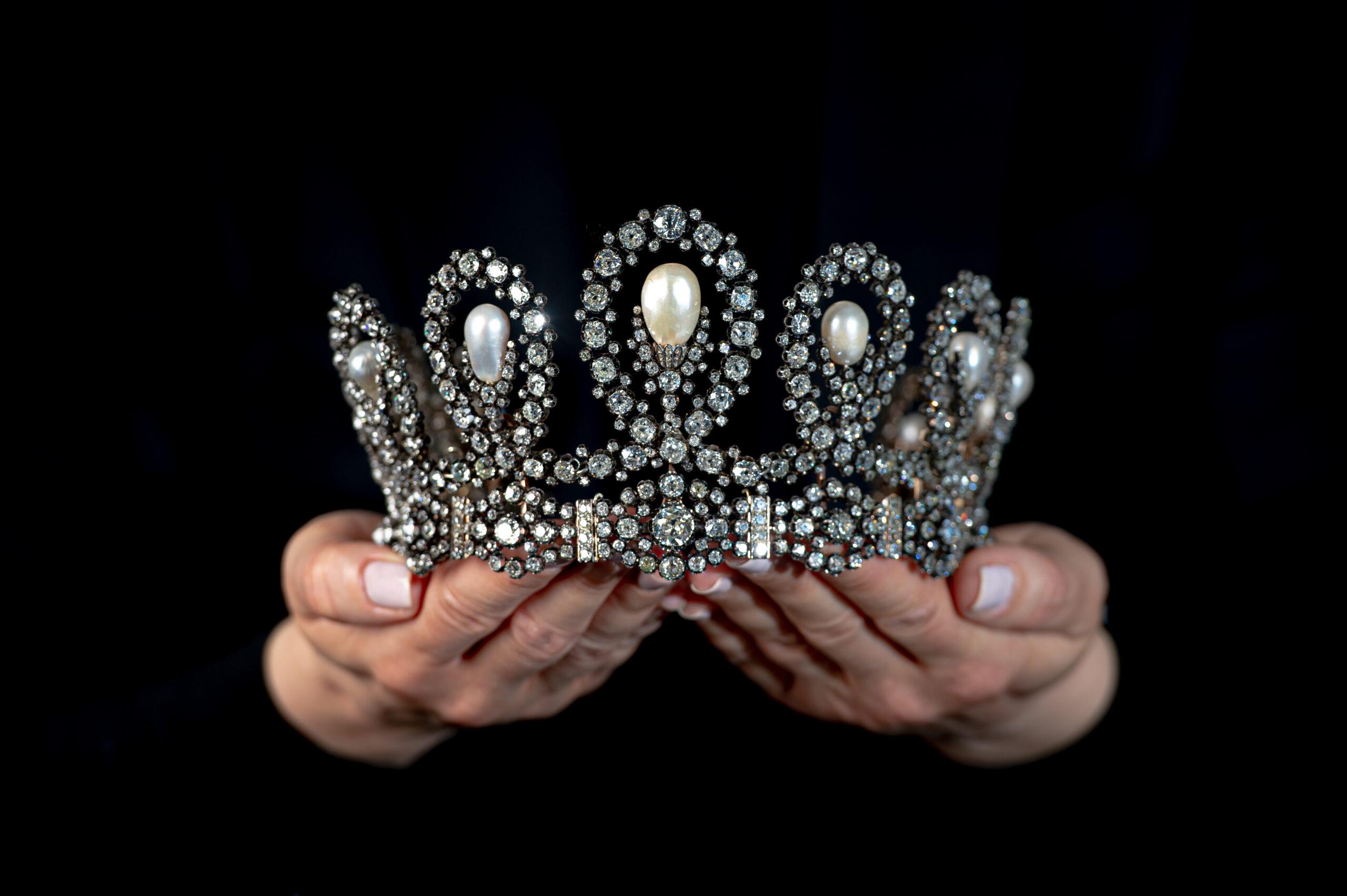 Una tiara reale: Sotheby's porta in asta il gioiello appartenuto ai Savoia