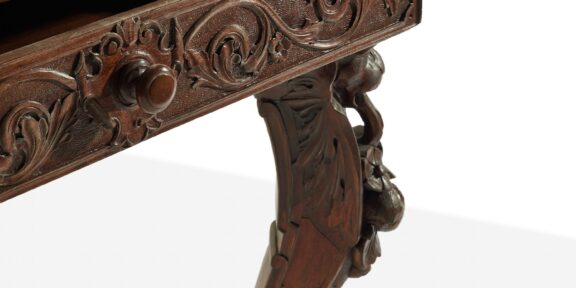 Leonardo Daining Table, courtesy Studio2046