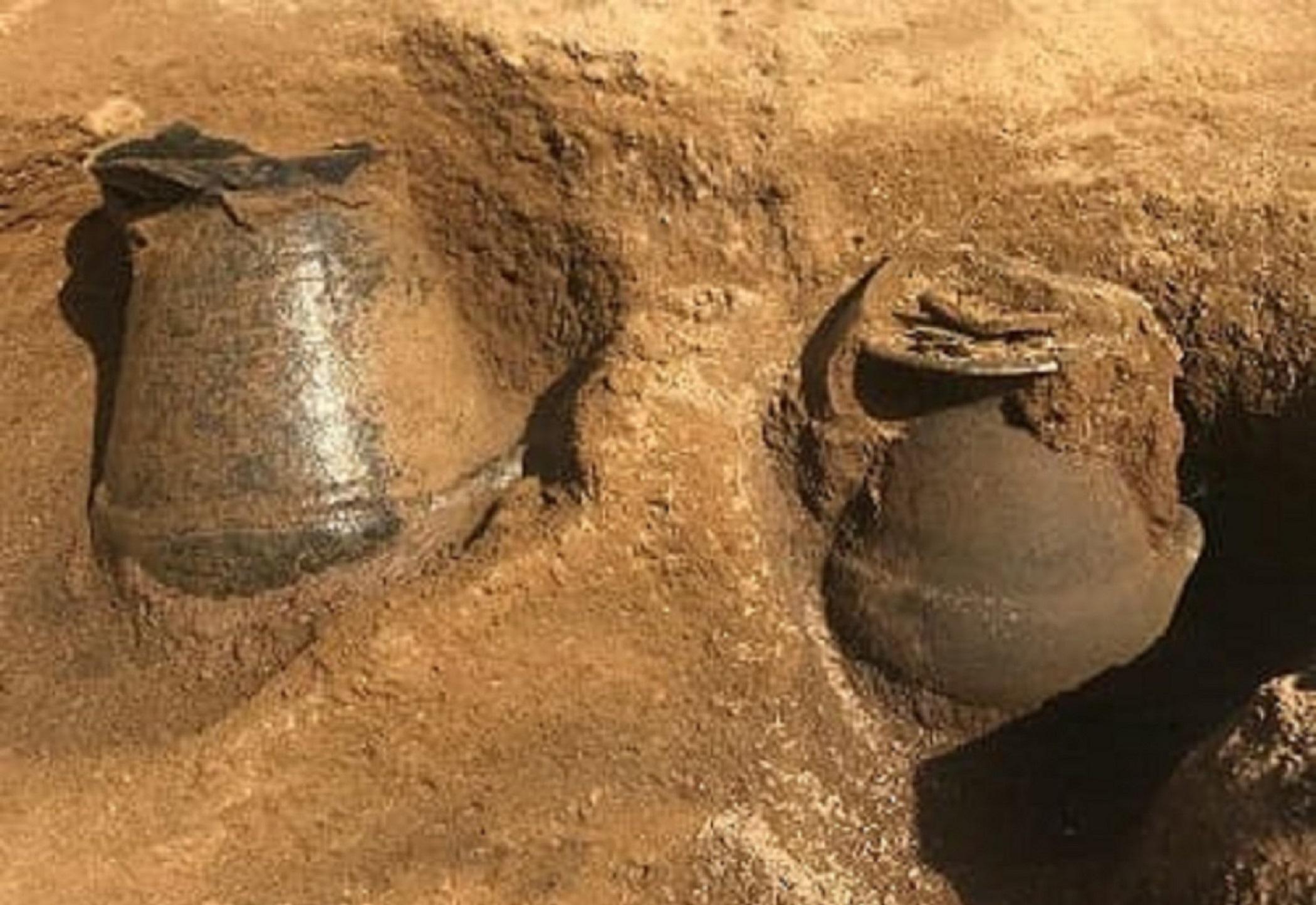 Grande scoperta al Parco di Vulci, tornano alla luce tre sepolture dell'Età del Ferro