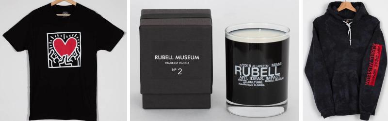 Abbigliamento e merchandising dello store del Rubell Museum