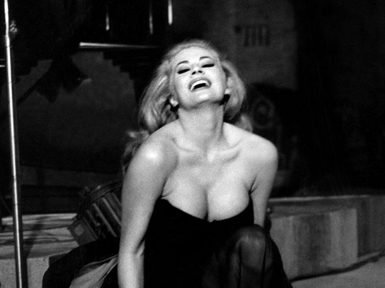 Ricette di pasta al posto dei testi: la stravaganza di Federico Fellini