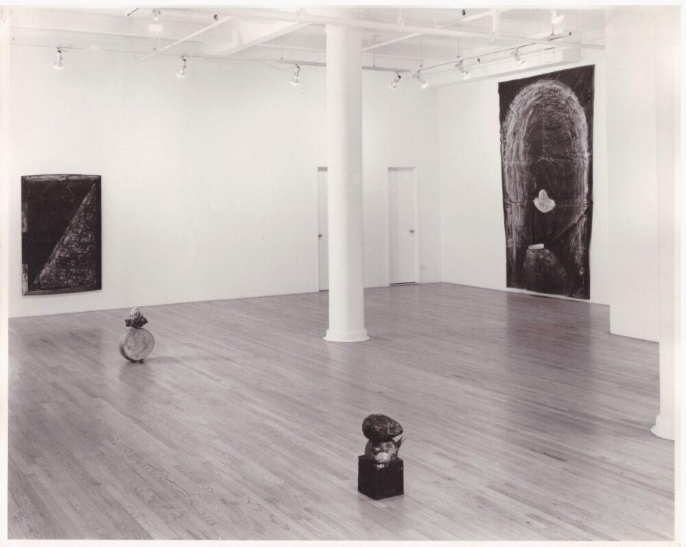 Opera di Bruno Ceccobelli nella mostra alla Galleria Salvatore Ala, N.Y., 1983