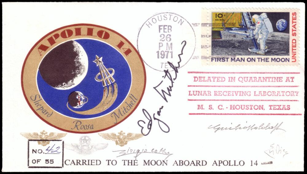 """Lotto 2483: STATI UNITI 1971 (26 feb.), Cosmogramma, uno dei 55 trasportati nello spazio per 9 giorni da Edgar Mitchell durante la missione Apollo 14. Francobollo celebrativo """"First man on the Moon"""" annullato a Houston alla fine del periodo di quarantena. La sospensione di tale procedura fa di questa busta l'ultima a recare il timbro """"Delayed in quarantine at / lunar receiving laboratory / M.S.C.- Houston Texas"""". Firma G. Bolaffi, En. Diena. Venduto: € 30.000"""