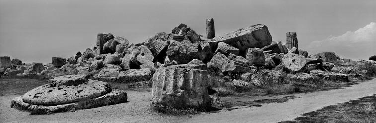 il Tempio G. (con vista da sud-est) di Selinunte, fotografata da Koudelka nel 2012.