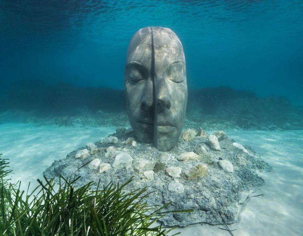 Le opere di Jason deCaires Taylor nel primo museo sottomarino di Francia