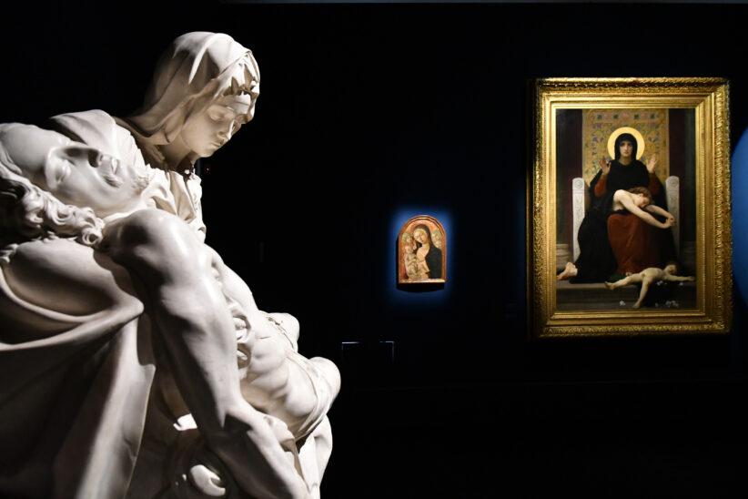 """SEZIONE 17 """"VERGINE MADRE FIGLIA DEL TUO FIGLIO"""". VEDERE L'INVISIBILE da MICHELANGELO BUONARROTI Piet à, 1930 circa (calco); 1498 (originale) Cittàdel Vaticano, Musei Vaticani MATTEO DI GIOVANNI Madonna con il Bambino e due angeli, 1480 circa Siena, Banca Monte dei Paschi di Siena, Collezione Chigi Saracini WILLIAM -ADOLPHE BOUGUEREAU Vergine consolatrice, 1877 Parigi, Musée d'Orsay (in deposito presso Musée des Beaux -Arts, Strasburgo)"""