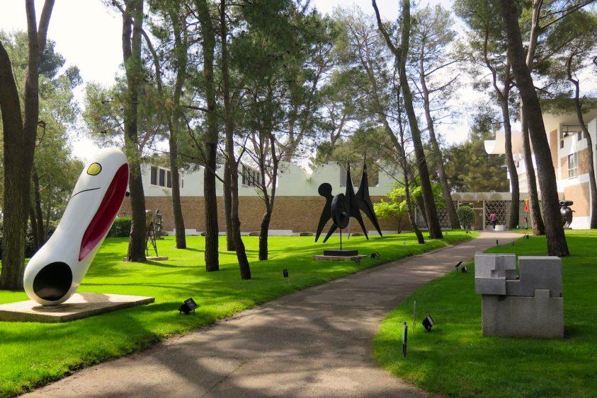 Nel Labirinto della Fondazione Maeght, il giardino segreto di Joan Mirò