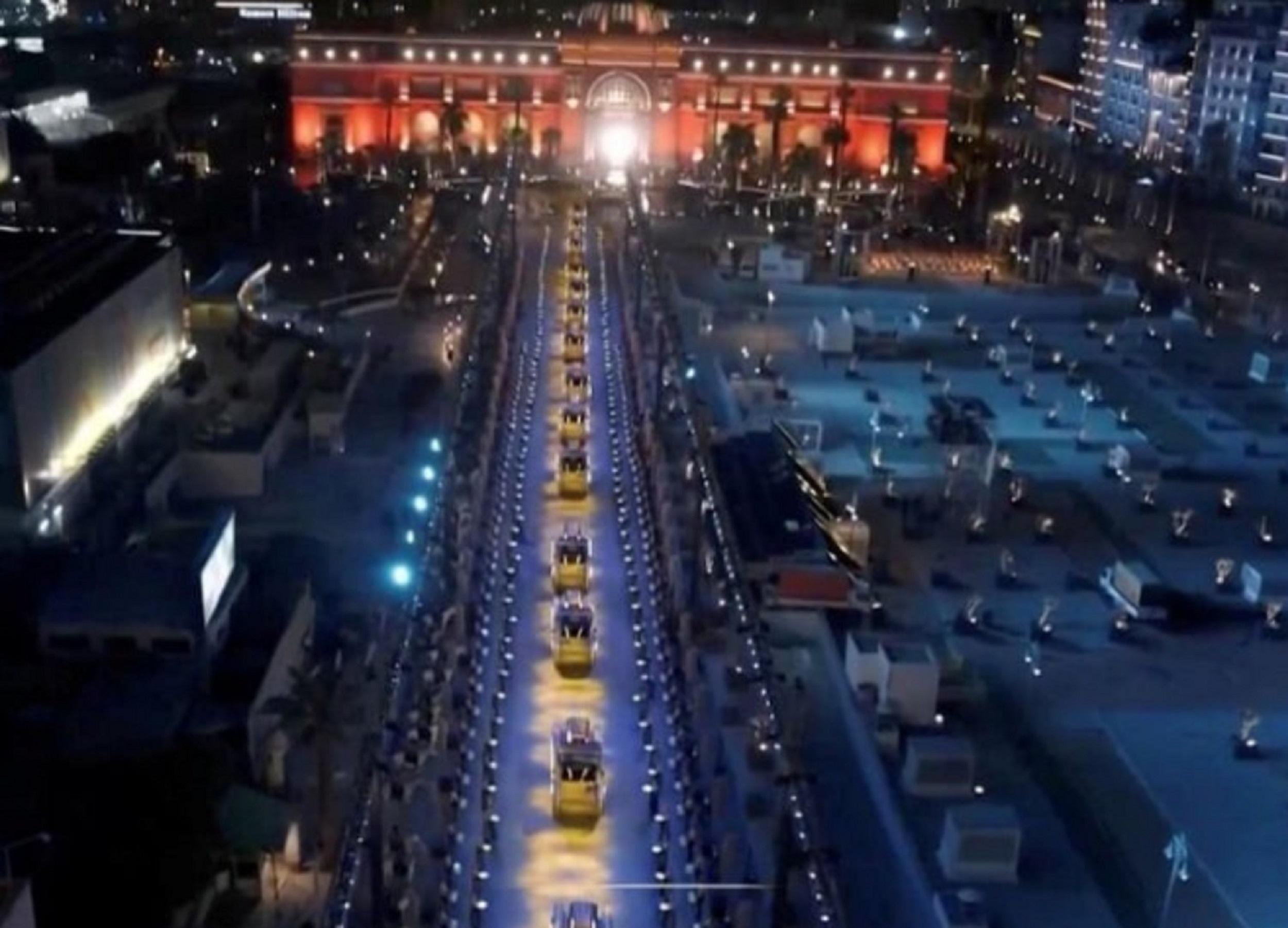 """Pharaohs Golden Parade. Al Cairo lo spettacolare """"trasloco"""" delle mummie reali al nuovo museo"""