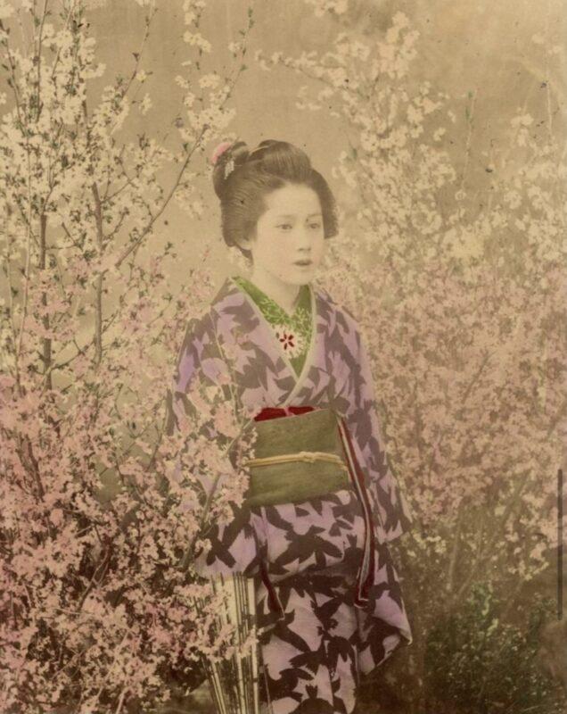 Ogawa Kazumasa, Ragazza tra fiori di ciliegio, 1890 ca Copyright © MUSEC / Fondazione Ada Ceschin e Rosanna Pilone