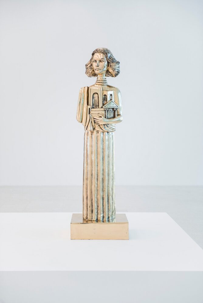 Francesco Vezzoli, PORTRAIT OF SOPHIA LOREN AS THE MUSE OF ANTIQUITY (AFTER GIORGIO DE CHIRICO), 2011, 190 x 58,5 x 58,5 cm, Foto: Luca Meneghel, ©Francesco Vezzoli