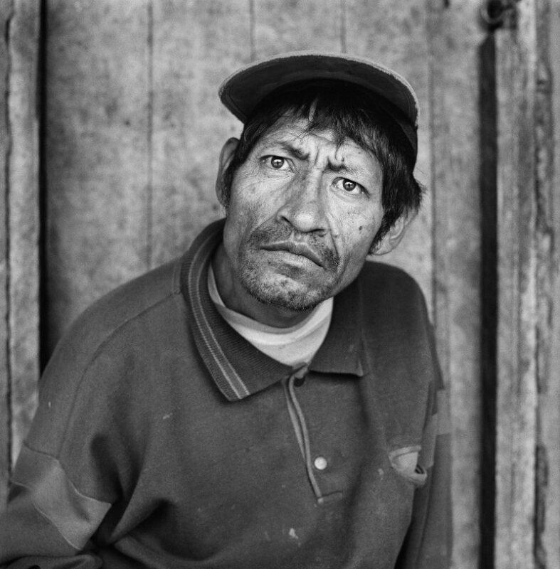 """Penipe, Ecuador, 2015 """"Vivo alle pendici del vulcano Tungurahua. So già che un giorno dovremo lasciare tutto e abbandonare questo posto per l'attività del vulcano e i rischi di un'eruzione."""" 150 x 150 cm ©Christian Tasso"""