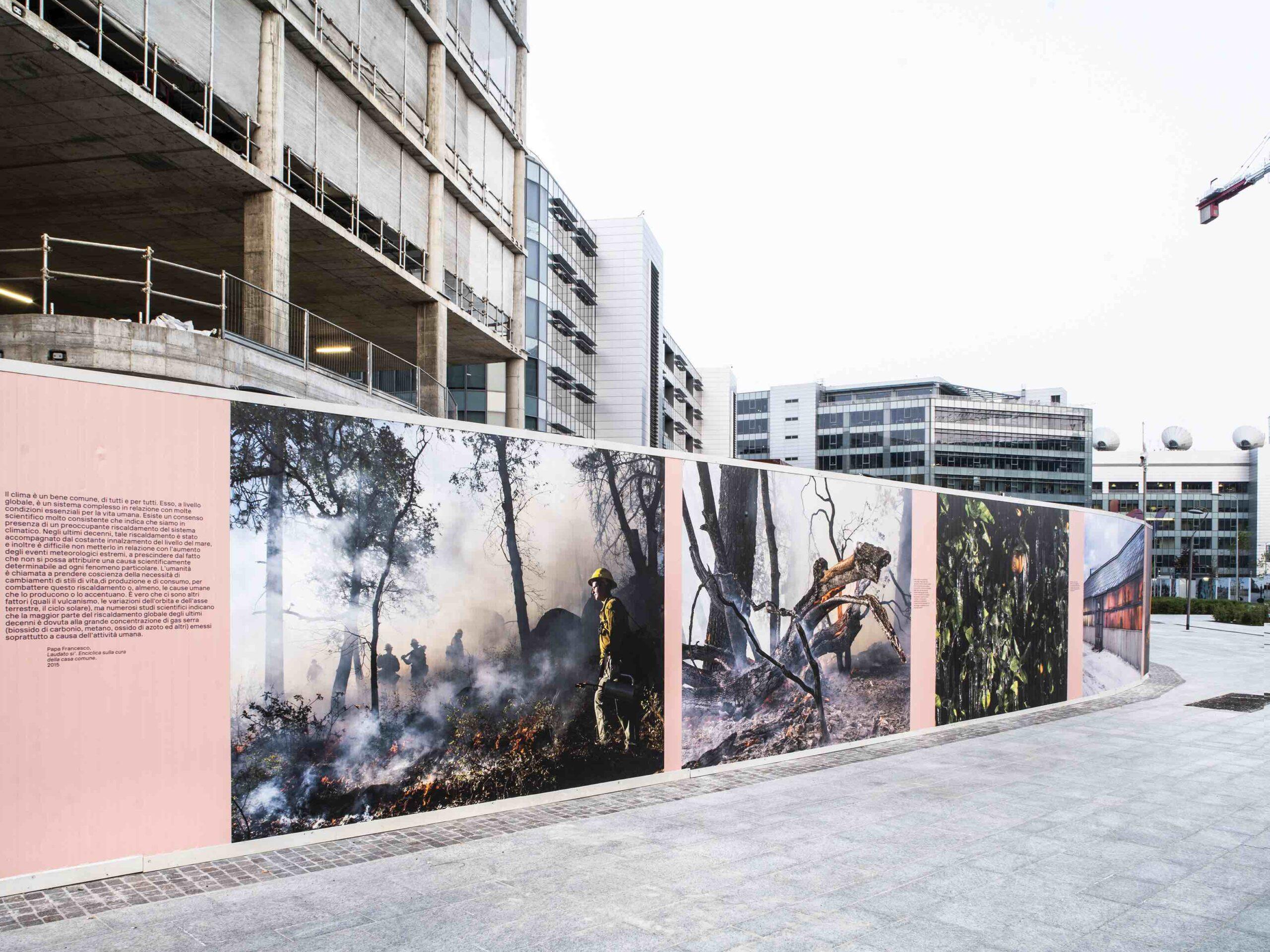 Rigenerazione urbana: la fotografia d'autore sulle recinzioni dei cantieri