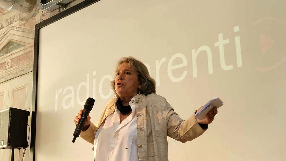 Il teatro è più forte della pandemia, la radio è amica del teatro: nasce Radio Parenti, prima emittente teatrale mondiale