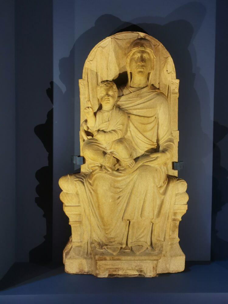 Maestro veneziano-ravennate, Madonna in trovo con Bambino, in prestito dal Louvre