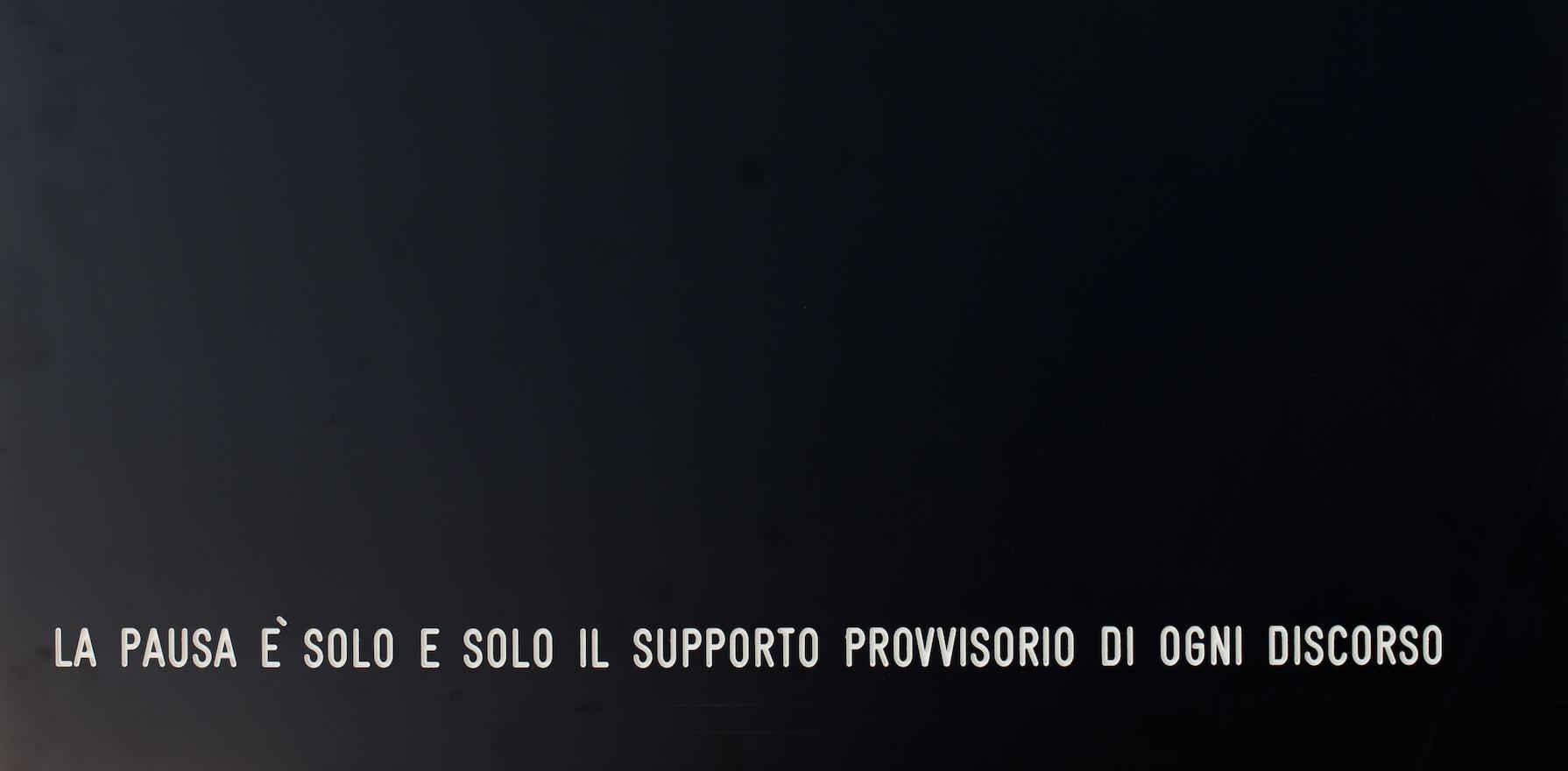 Suonare le pause. Immagini della mostra di Vincenzo Agnetti a Bologna