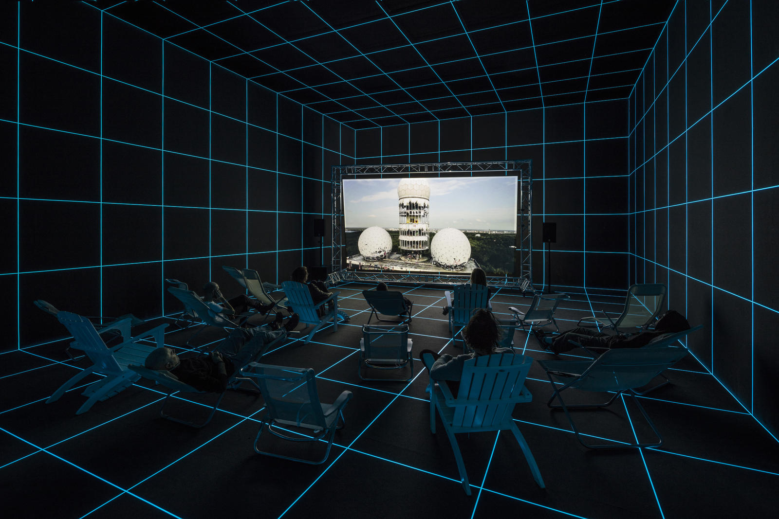 I will survive. Visita virtuale alla personale di Hito Steyerl, a Parigi