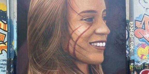 Il murale di Jorit dedicato a Luana D'Orazio