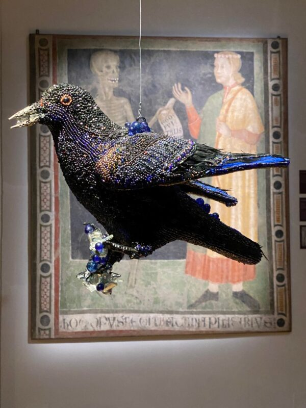 Monika Teal, 'Older than words', 2020 Tessuti, perline L'installazione si compone di: The Flying Crow The Standing Crow The Crow Mobil
