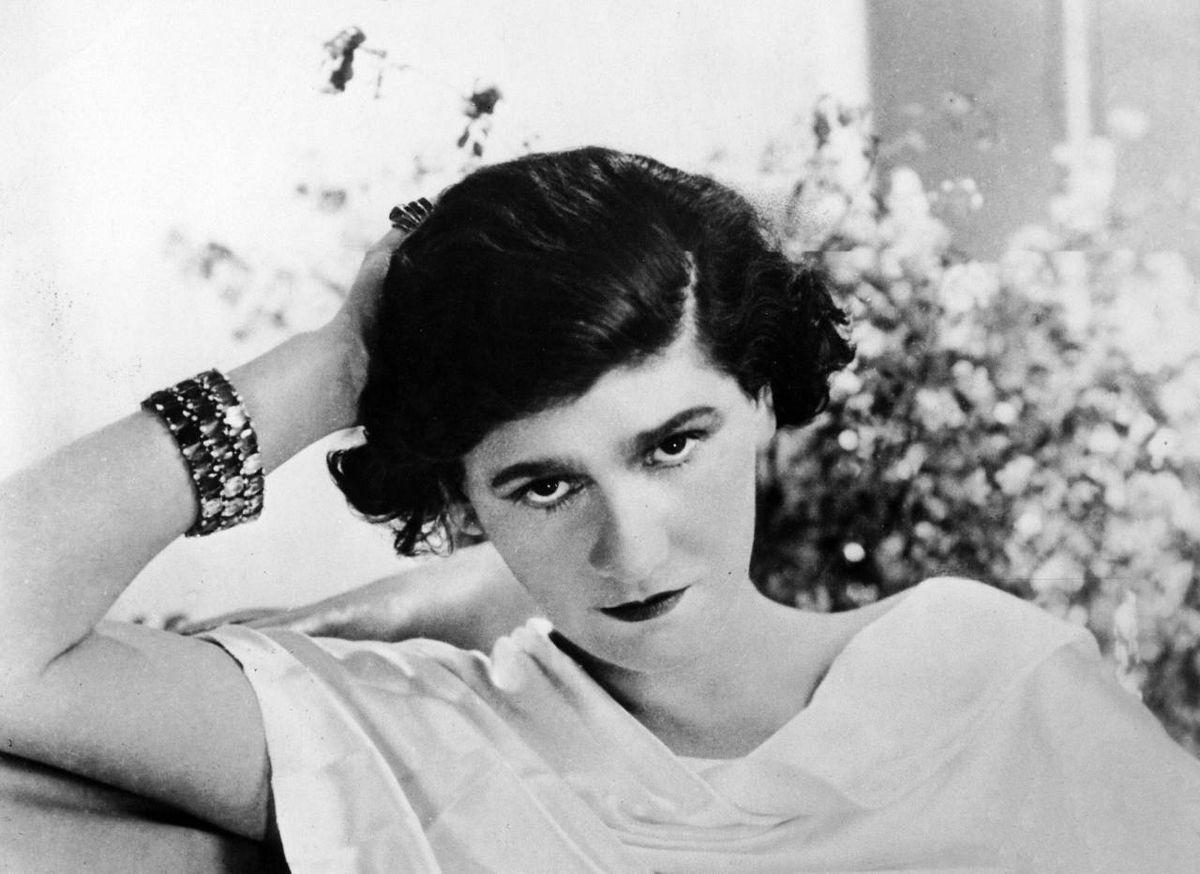 Sabbia, cavalli e pescatori: come Deauville ispirò la rivoluzione di Coco Chanel
