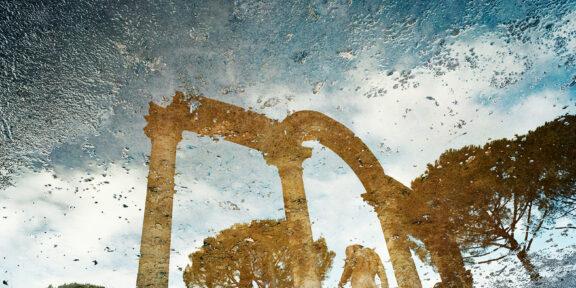 3. Alfred Seiland, Presso il Canopo, Villa di Adriano, Tivoli. Tibur, Italia, 2009