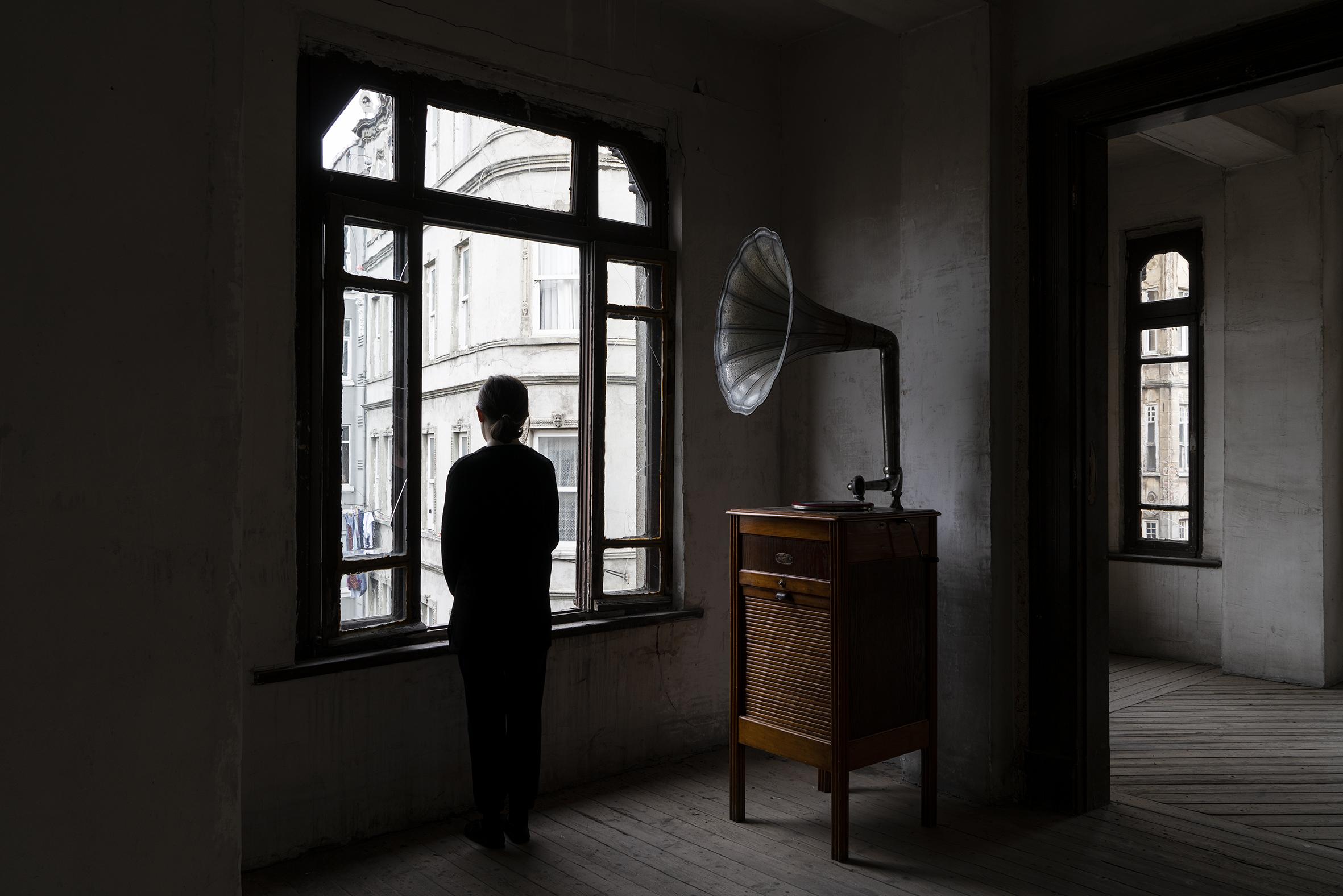 Il mio cuore è vuoto come uno specchio. Il pellegrinaggio di Gian Maria Tosatti a Istanbul