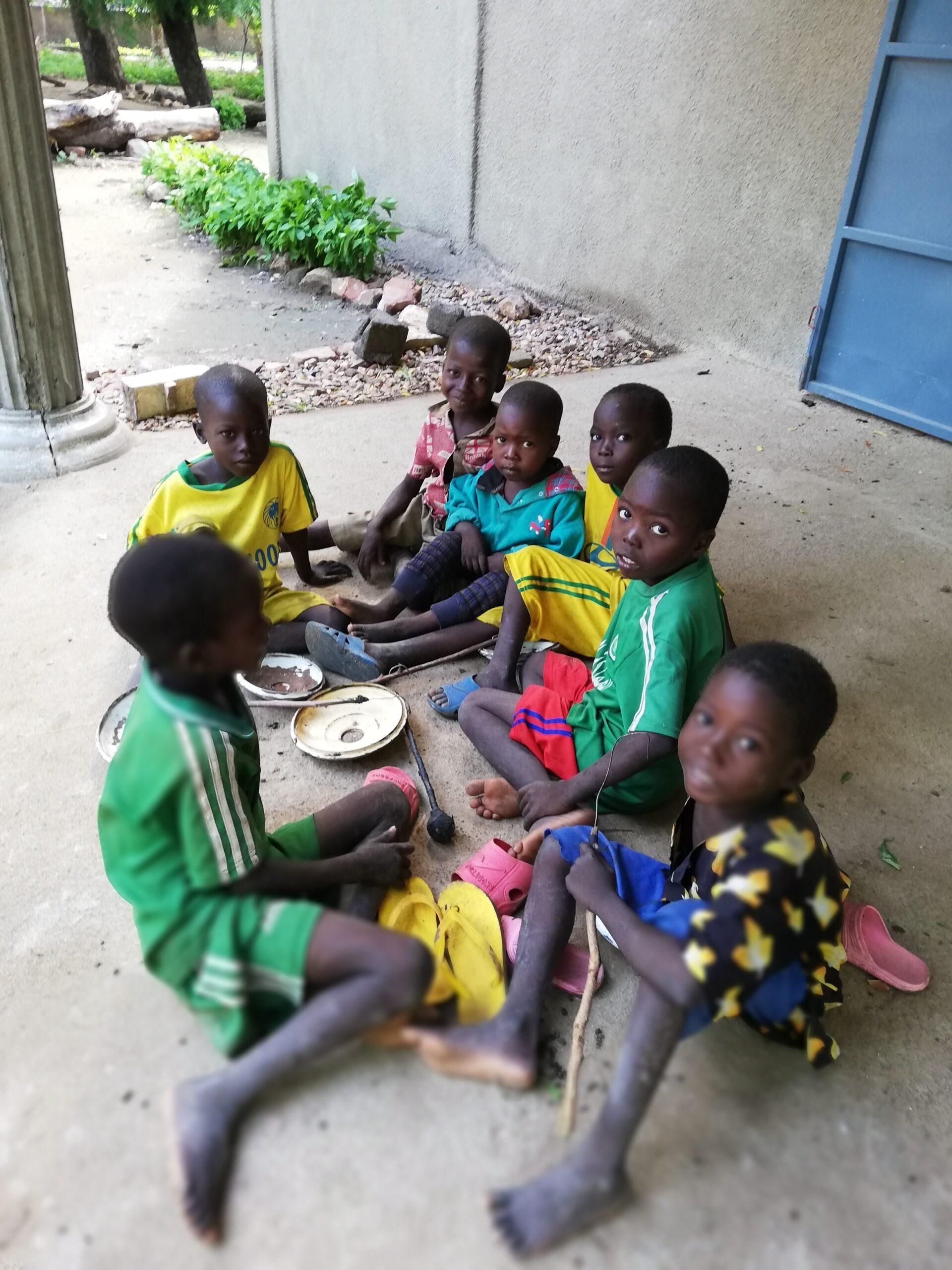 La Savana rifiorirà. Un progetto di Charity per diffondere educazione e cultura