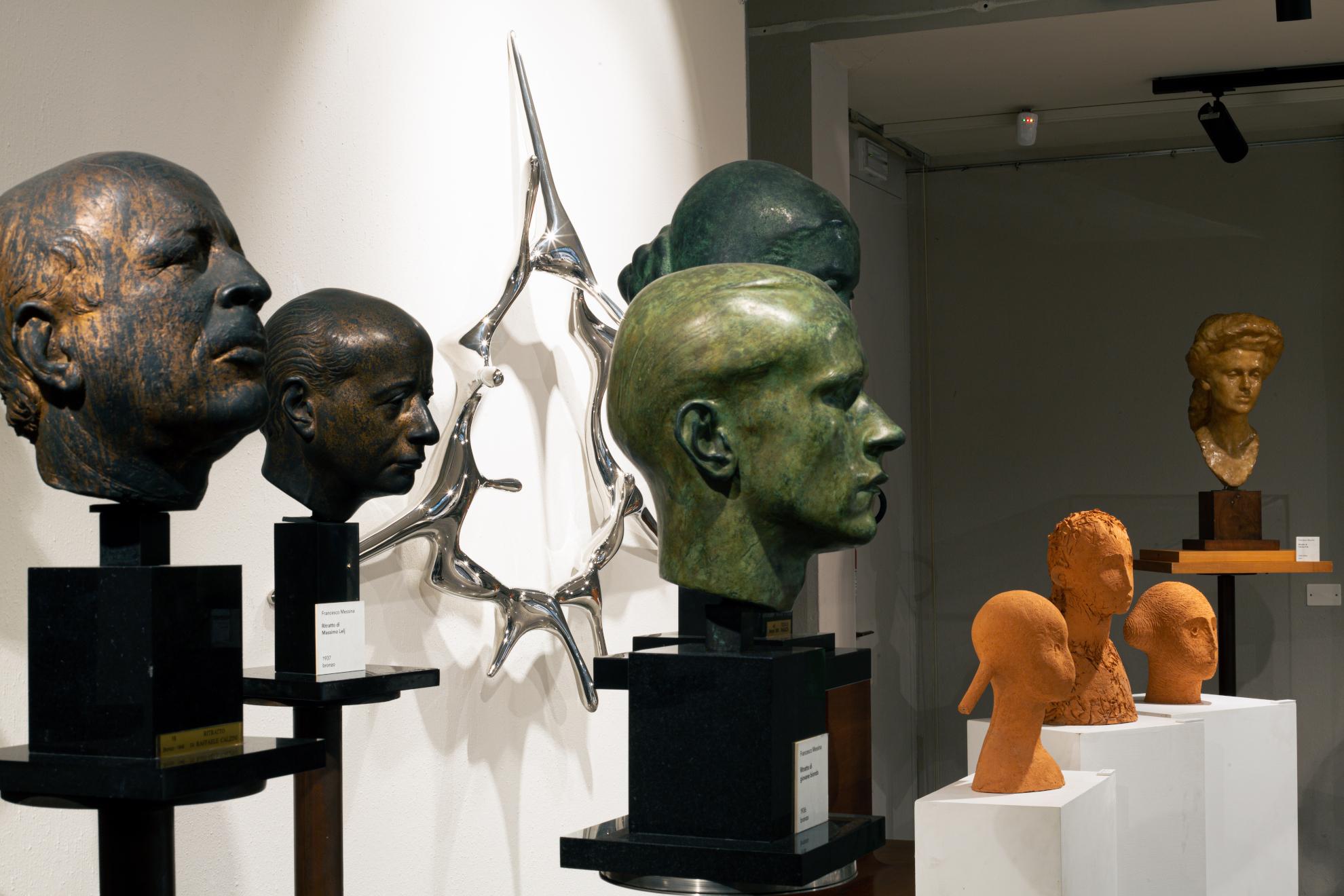 Le creature dalle forme organiche di Kim SeungHwan in dialogo con Francesco Messina, a Milano
