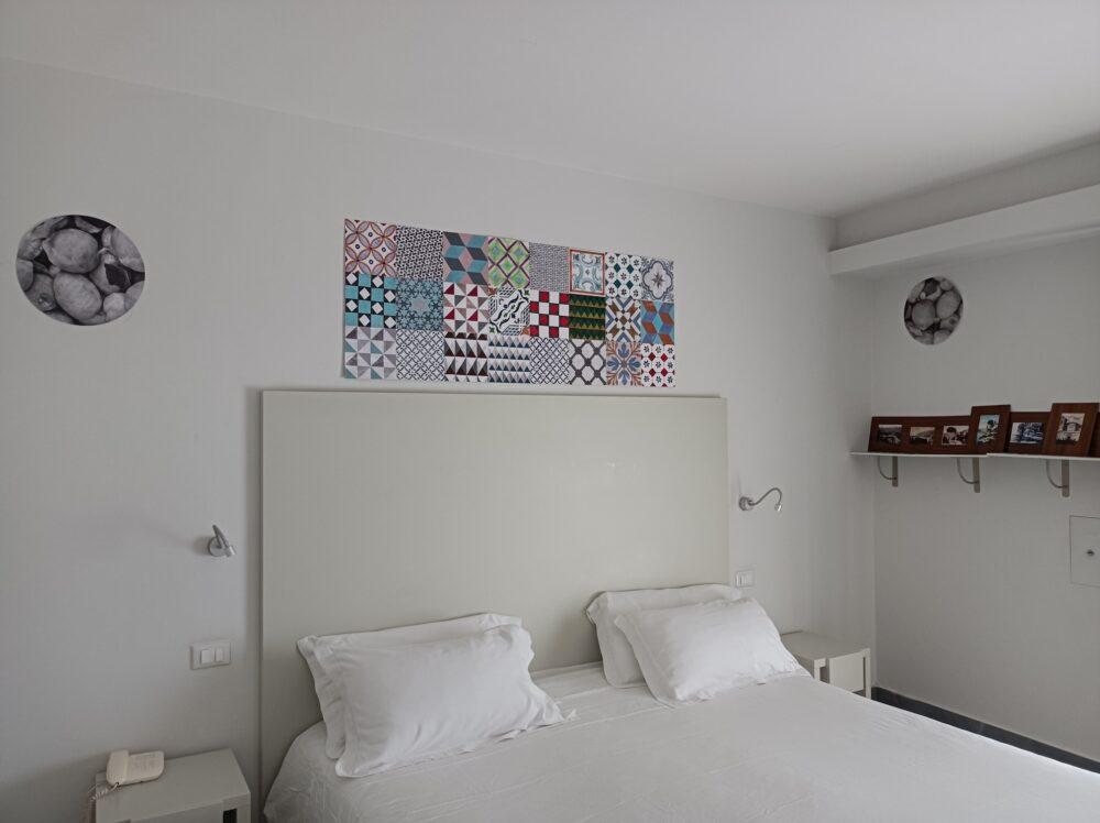 Lello Lopez, Memorie, installazione site specific, Stanza 121, media mix, Art Hotel Gran Paradiso, Sorrento, 2016, courtesy AHGP
