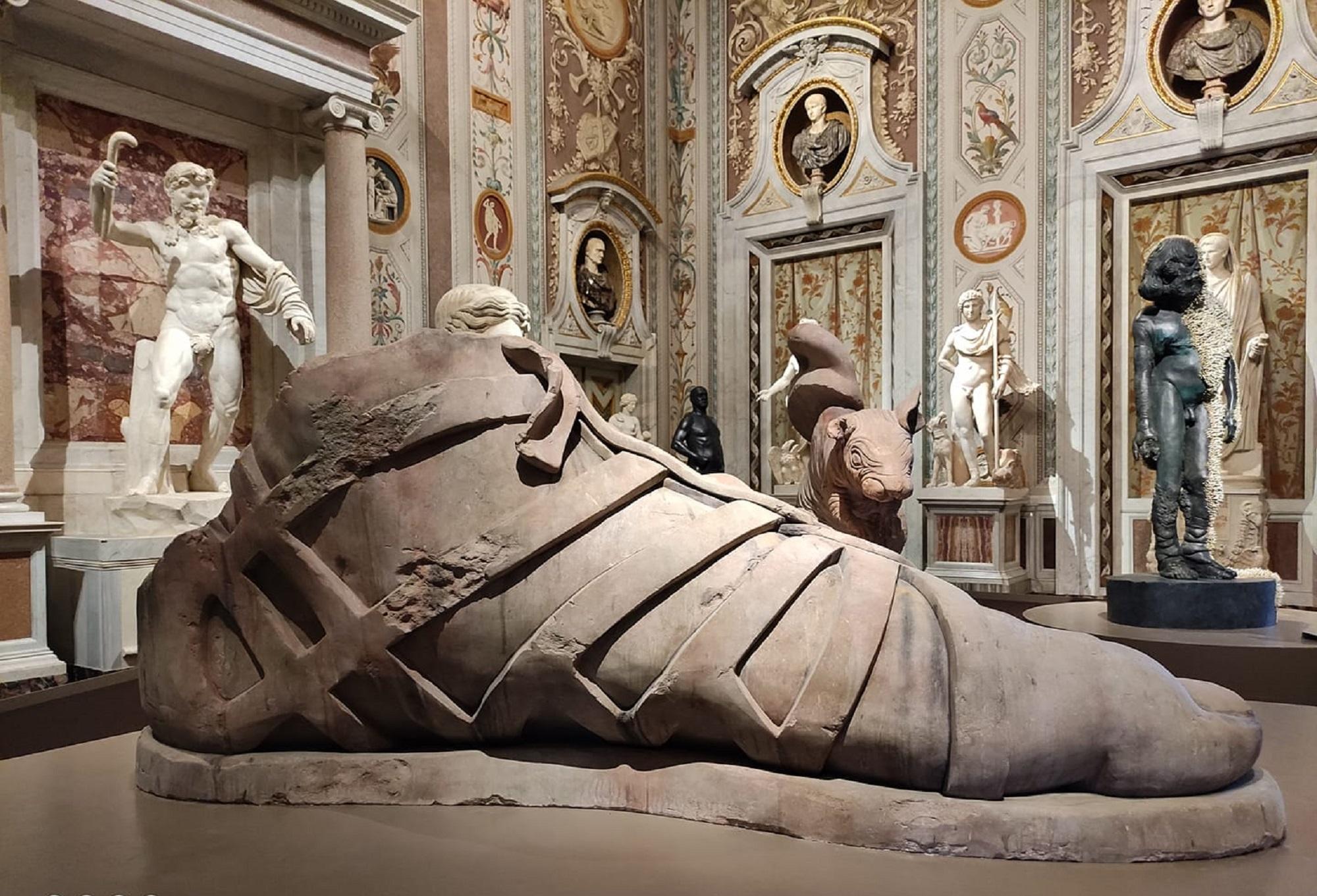Damien Hirst sbarca a Roma. Primissime immagini della mostra alla Galleria Borghese