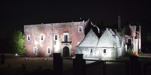 Iginio de Luca, Se queste mura potessero parlare, Casa Rossa, Alberonello