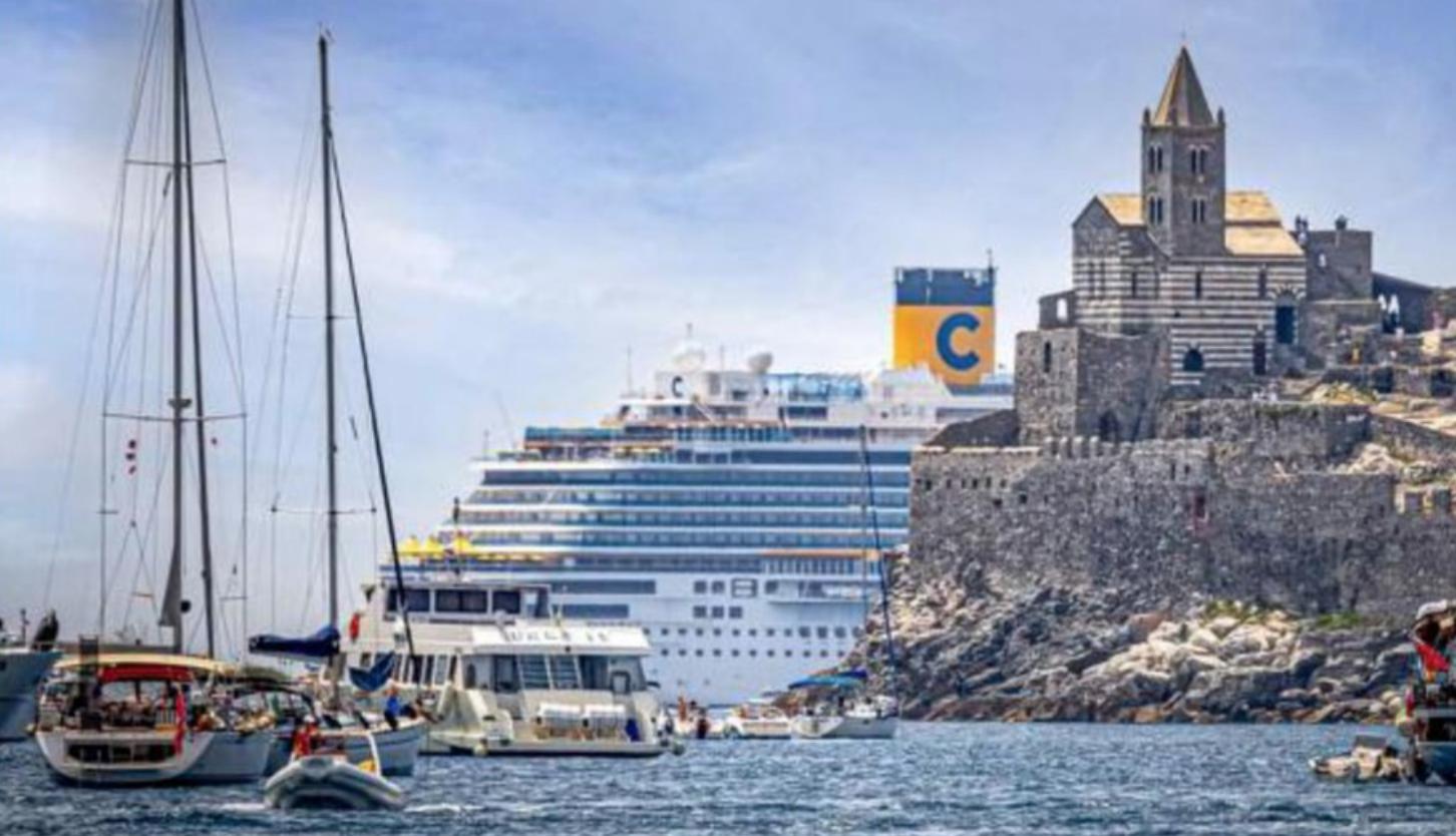 Peggio che a Venezia! Liguria in rivolta contro le navi da crociera nel Golfo dei Poeti