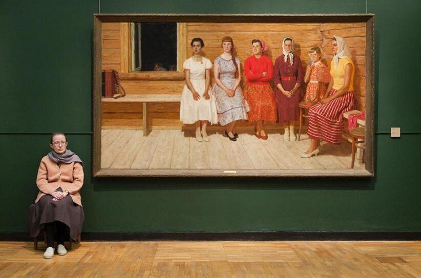 The Art of Guarding Art: Russia's Lady Museum Guards   Russian art, Art gallery, Art museum