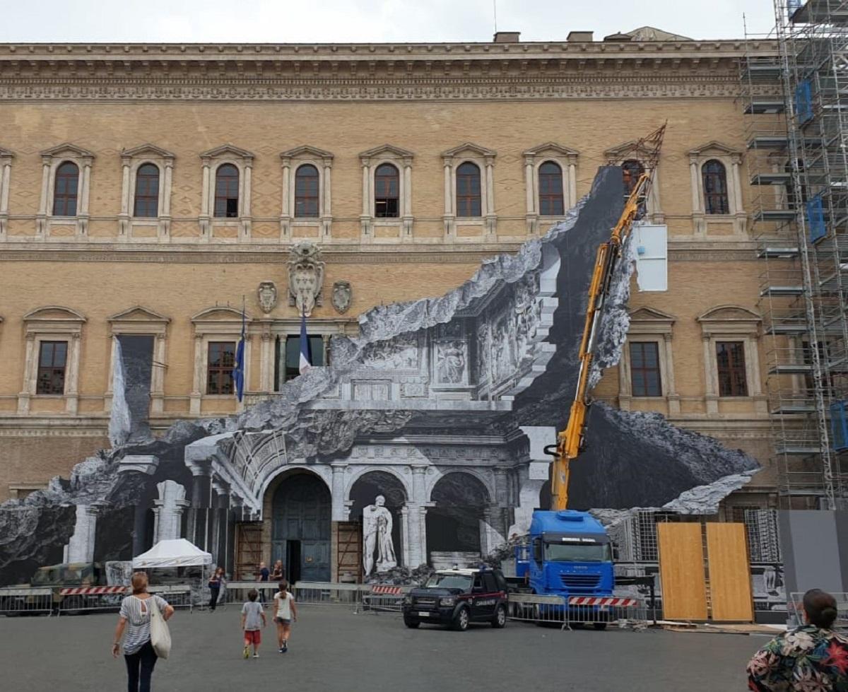 Le ferite di Jr. Dopo Firenze, eccolo a Roma a Palazzo Farnese