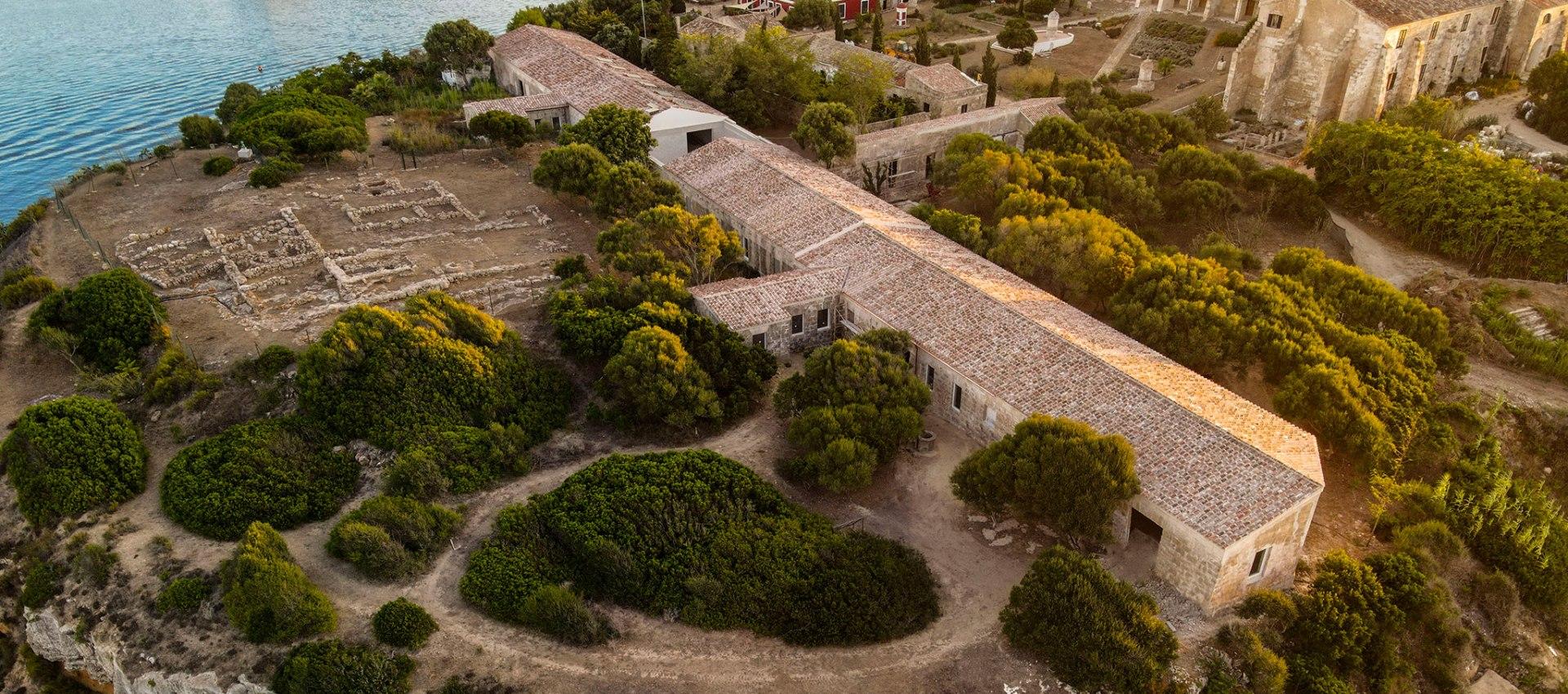 Ecco la nuova sede di Hauser & Wirth a Minorca. Mark Bradford presenta la mostra in anteprima video