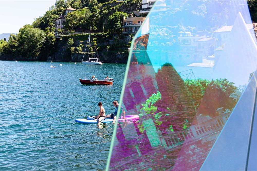Matteo Negri per Cannobio. Una mostra diffusa dal centro al lungolago alla ricerca di nuove percezioni del paesaggio