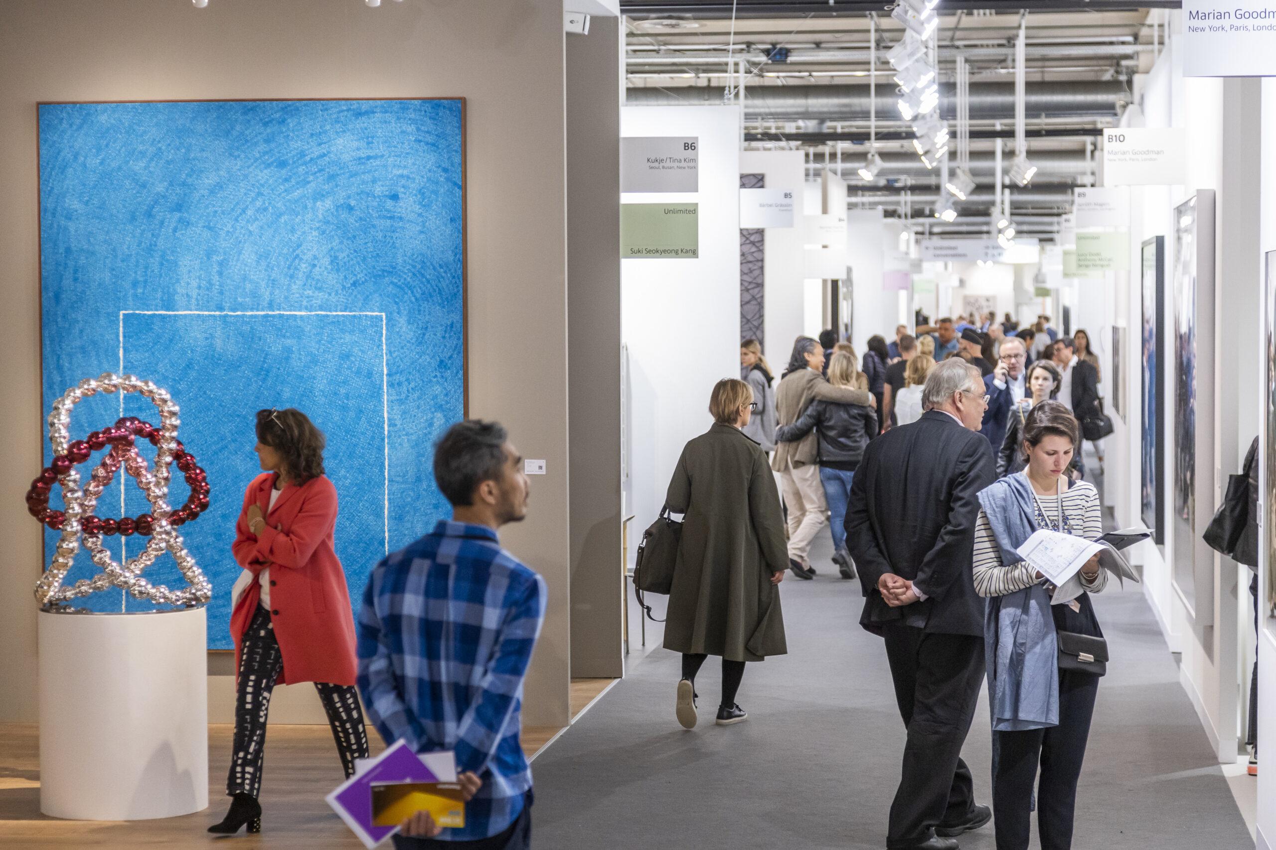 Art Basel in aiuto dei galleristi: quarantena pagata e fondo di copertura sui rischi