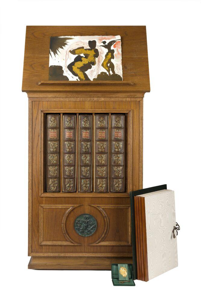 """Lotto 291_DALI, Salvador (1904-1989) - Biblia Sacra vulgatae editionis. Edizione """"Ad Personam"""" Milano: Rizzoli, 1967. Stima € 40.000 - 60.000"""