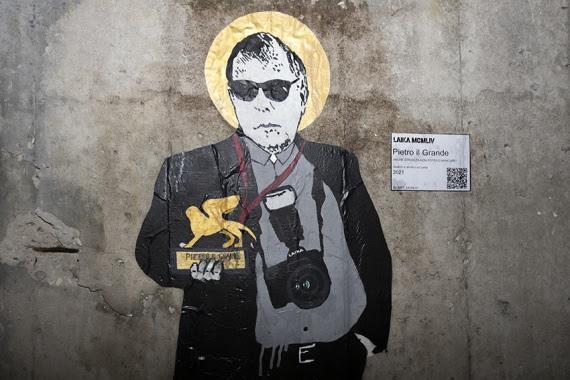 Mostra del Cinema. A Venezia la street artist Laika omaggia Pietro Coccia