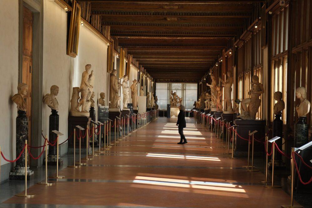 Inside the Uffizi, foto Felix Riedelsheimer