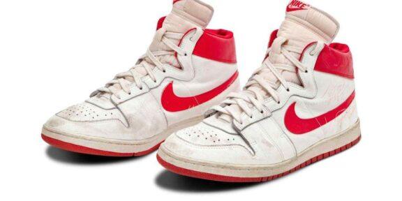 Le Nike Air Ships del 1984 di Michael Jordan