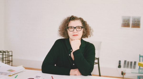 Mona Hatoum nel suo studio di Londra (foto ©Gabby Laurent)